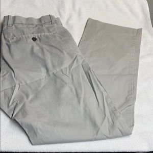 GAP Tailored Straight Fit Khakis-Size 30x30